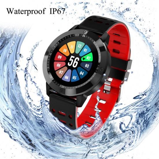 ساعة ذكية مقاومة للماء