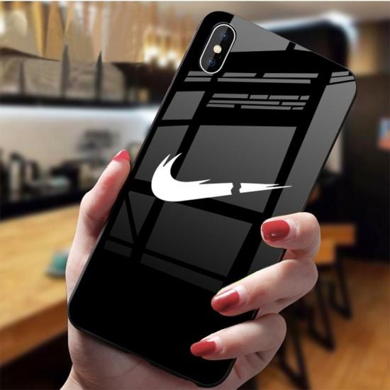 جراب Nike للآيفون